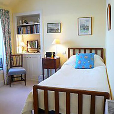 fife-bed-and-breakfast-single-400x400